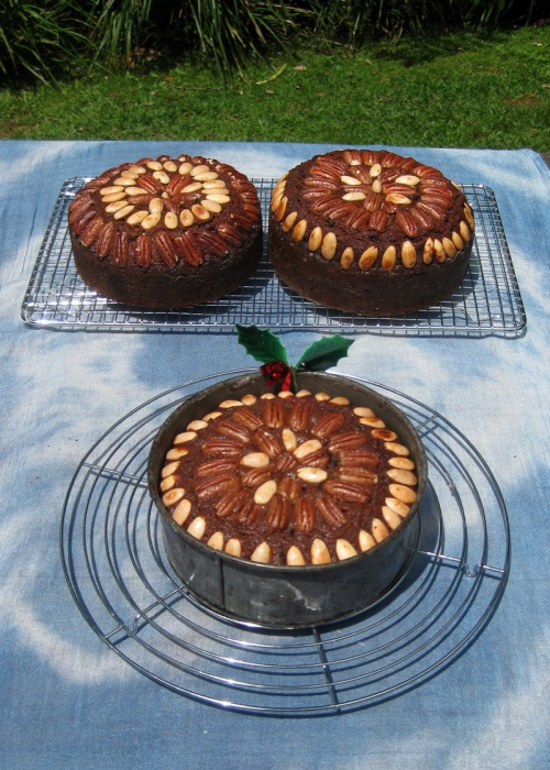 Christmas-cakes-for-the-Fai