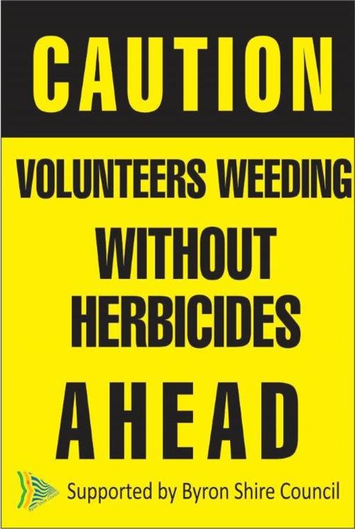 vounteers-weeding-(2)